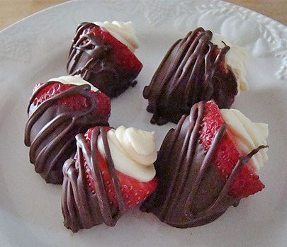 Cheesecake Filled Chocolate Covered Strawberries