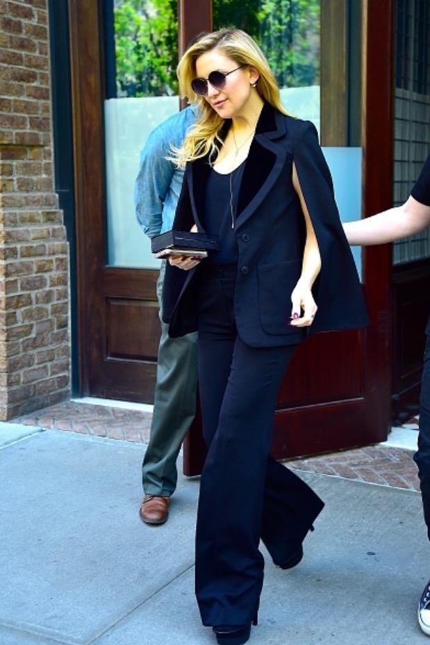 Kate Hudson wearing Linda Farrow 239 Sunglasses, Roberto Cavalli Fall 2016, Rauwolf Emerald Gemstone Clutch in Black and EF Collection Diamond Sunrise Sunset Ear Jackets