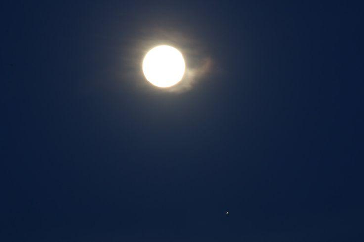 """""""La Lune garde ses distances avec Jupiter, mais pas trop 🤗"""""""