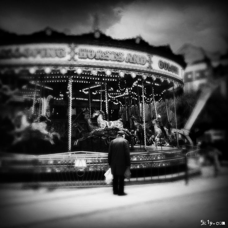 iPhoneography – { memories } ... it was the music that was really evocative for him and brought back many happy memories of him and his wife listening to the wireless.