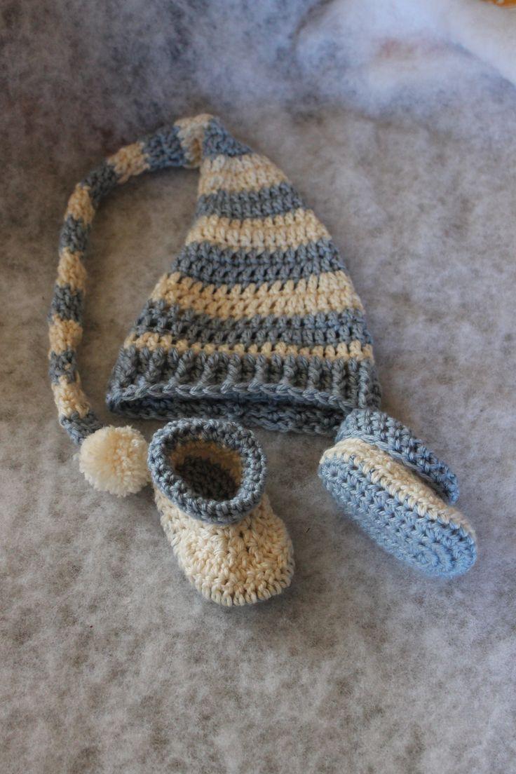Newborn elf stocking layette set http://www.ravelry.com/projects/FiddleDeeGreen/roll-tops
