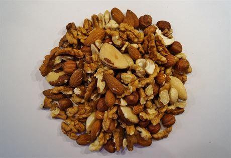 Směs zdraví. Všechny ořechy jsou zhruba z poloviny tvořeny tukem. Každý druh...