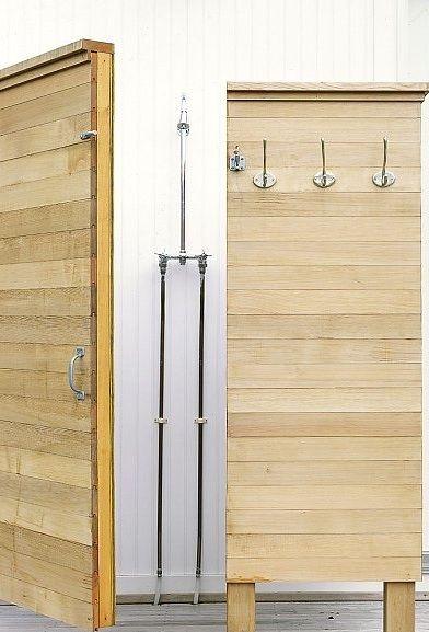 Outdoor shower: Outdoorshower, Beach House, Outdoor Living, House Ideas, Outdoor Showers, Murdock Young, Outdoor Bathroom, Beachhouse
