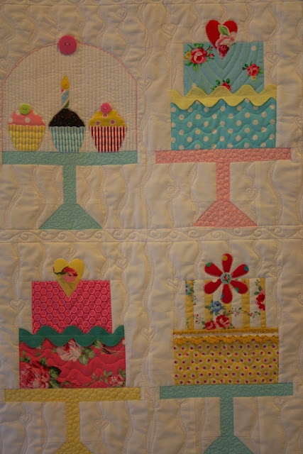 17 best images about quilts kitchen on pinterest for Kitchen quilting ideas