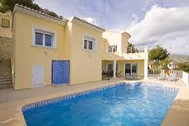 Villa de construction récente avec piscine privee et magnifiques vues sur la mer