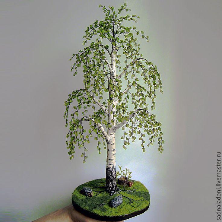 """Купить Дерево Береза из хризолита и ежиками """"Лето хризолитового цвета"""" - салатовый, зеленый камень"""