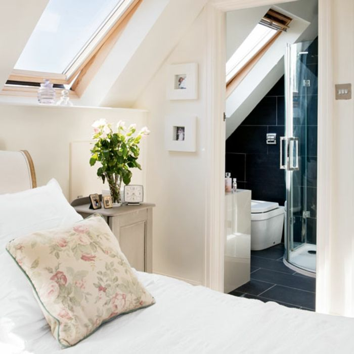 chambre à coucher avec salle de bains aménagement de combles