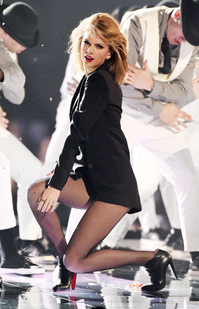Taylor Swift - 2015 Brit Awards
