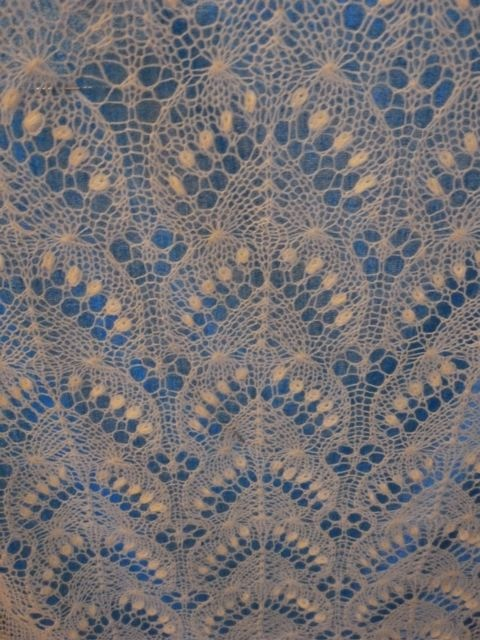 Knitting Horseshoe Lace Stitch Pattern : 1000+ images about Horseshoe Lace and similar on Pinterest Lace knitting pa...