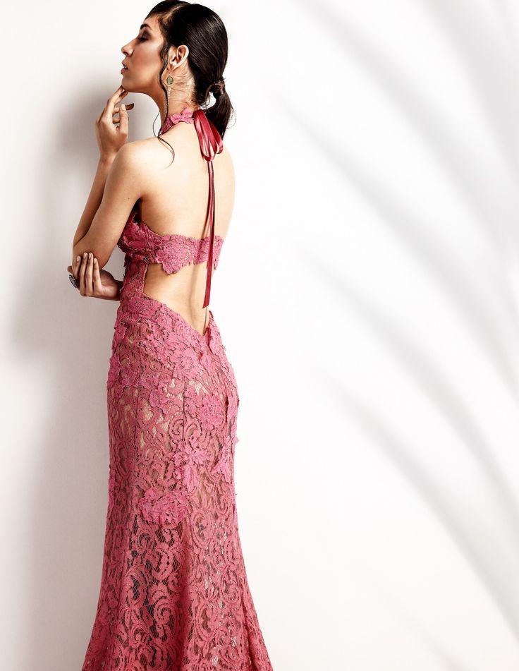 LoveLace| Μία collection που εστιάζει στο event dress, στα φορέματα γάμου, νυφικά, αλλά και της αποφοίτησης. Αέρινα και πολυτελή υφάσματα, δημιουργίες που ράβονται πάνω στις δικές σας διαστάσεις αλλά και στα χρώματα που επιθυμείτε. Material: French Lace