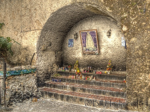 Outdoor Altar at Izamal Mission (by BillHinAnchorage)
