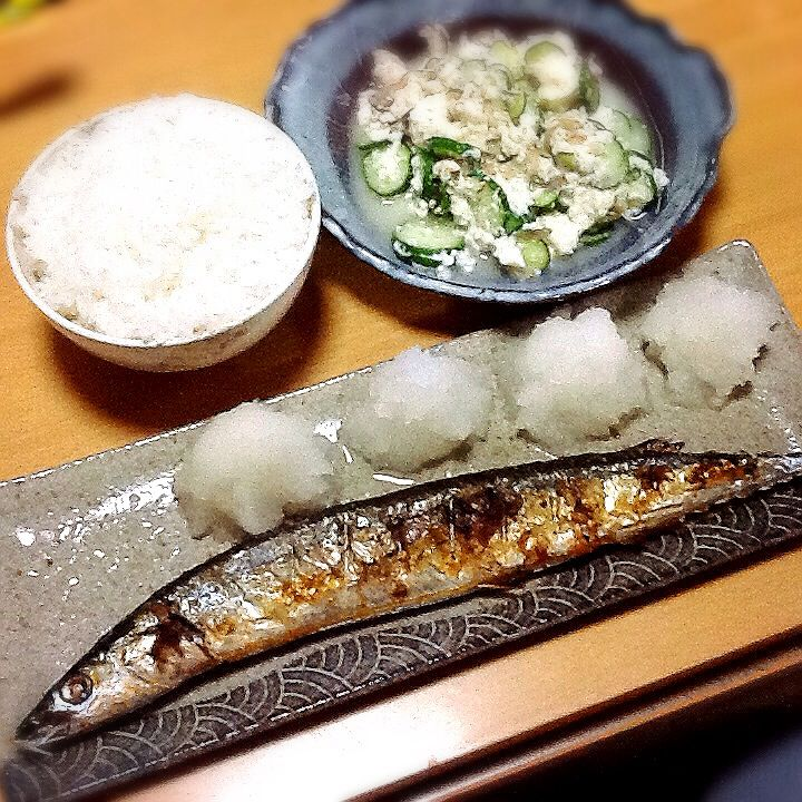 This is baked pacific saury with grated radish. It is fall delicacy in Japan.