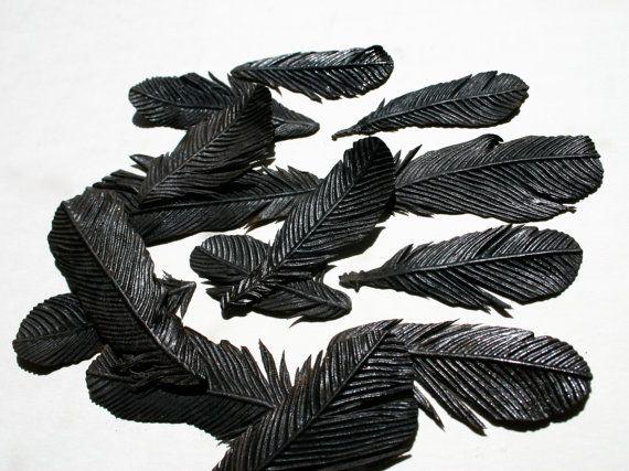Edible Black Bird FeathersTattoo Ideas, Chocolates Flavored, Edible Black, Feathers Chocolates, Food, Parties Ideas, Black Birds, Events Ideas, Birds Feathers
