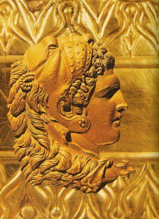 Παρά την ταχεία και αναίμακτη διευθέτηση του ζητήματος της διαδοχής του Μεγάλου Αλεξάνδρου, ήταν προφανές ότι οι φιλοδοξίες των διαφόρων εταίρων δεν θα αργούσαν πολύ να οδηγήσουν στην πρώτη ένοπλη σύγκρουση. Όσοι Έλληνες είχαν λοιπόν λόγους και την απαραίτητη στρατιωτική ισχύ, έσπευσαν να κινηθούν στρατιωτικά πιστεύοντας ότι θα εξασφάλιζαν συμμάχους ανάμεσα στους εταίρους και ότι θα βελτίωναν τη στρατηγική τους θέση στις διαφαινόμενες αλλαγές.