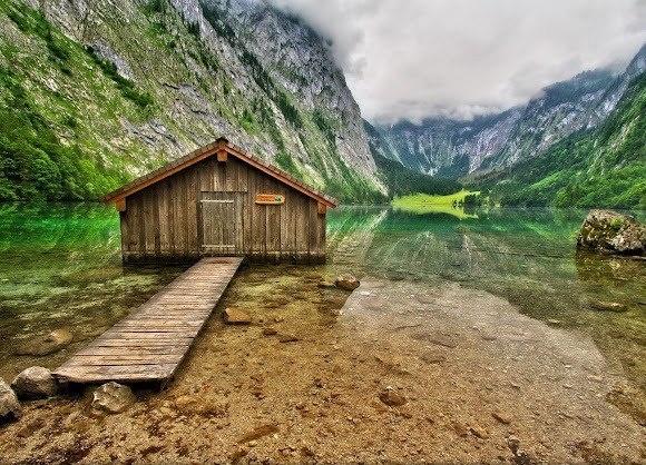 Озеро Верхнее на юго-востоке Баварии - одно из самых чистых озер в Германии.   Фото: Vibhav Gupta