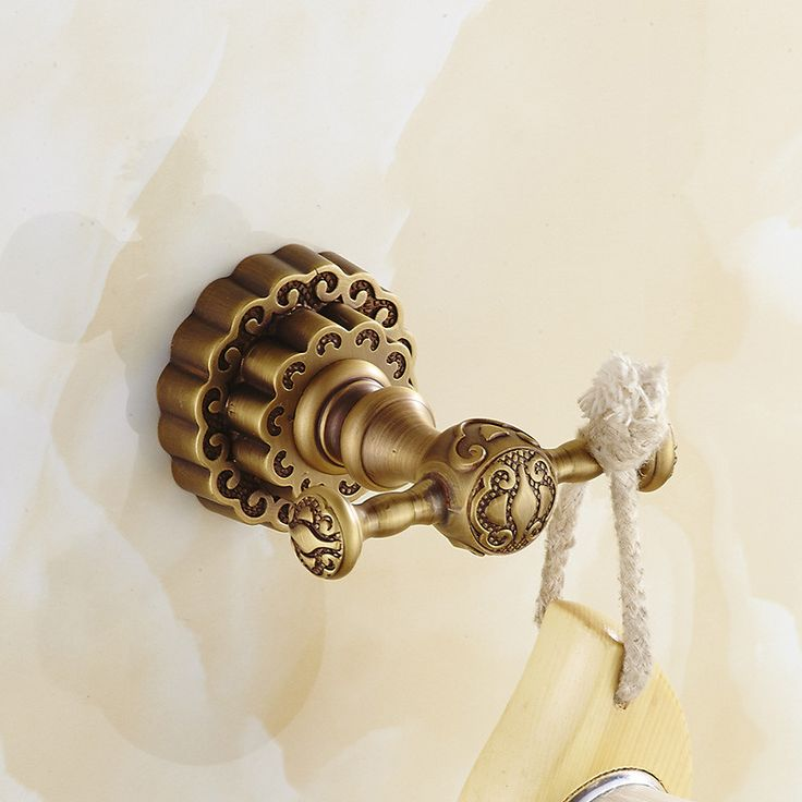 Free Shipping Solid Brass Traditional Clothes Hanger Carving Bronze Bathroom Hat Towel Hooks Hangers Wall Mount FE-8613