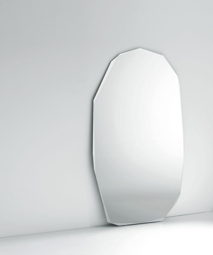 Mirror Ideas for your Home | Standing mirror irregularly shaped |www.bocadolobo.com | #luxuryfurniture #mirrorideas