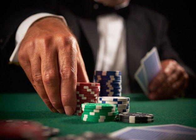 Online-gambling poker chips pokerplayers avirex king casino