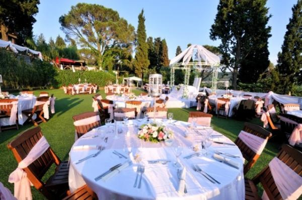 Casual Receptions - Ideas for Outdoor Wedding Receptions [Slideshow]