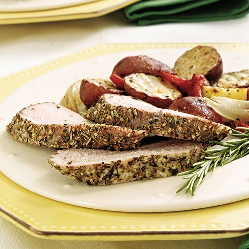 Rosemary-Crusted+Pork+Tenderloin+with+Vegetables+-+The+Pampered+Chef®