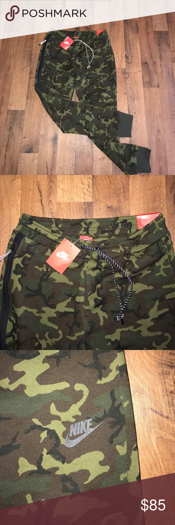 New Nike Tech Fleece Camo Joggers Jogger Pants Available in size Small or Large Nike Pants Sweatpants & Joggers