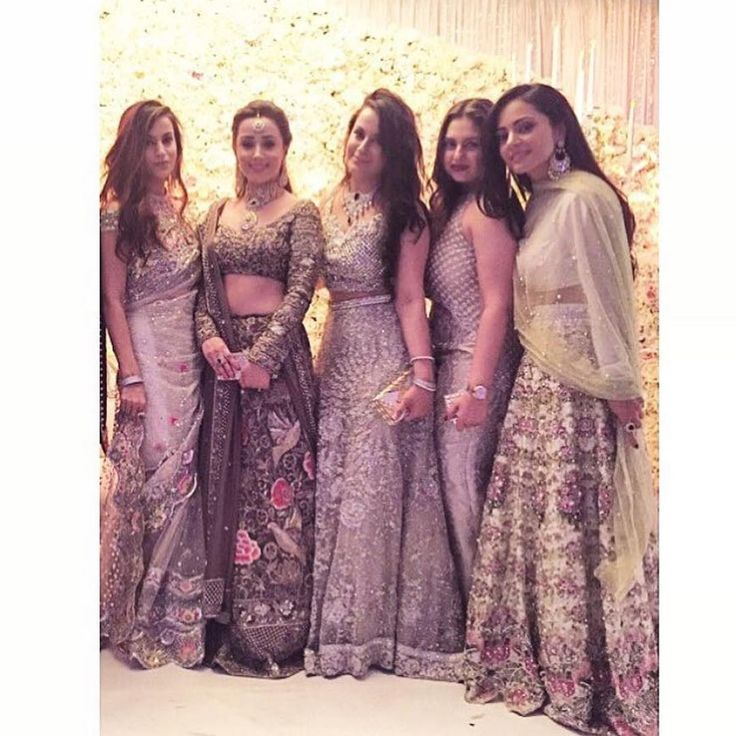 """""""So on trend #fashionistas #Repost @pakistanstyleonset ・・・ So many designs in one picture @maha_hashmi #styleonset #asianfashion #wedding #trends"""""""