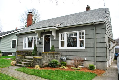 1000 Images About Bungalow Exterior Ideas On Pinterest Traditional House Blue And And Decor
