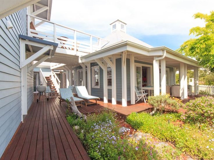 Plantation Island on Thesen Islands - This lovely home is well-appointed to the waterways and adjacent park-lands in Thesen Islands. This prime property consists of two units; the main house and the studio. The main house sleeps six guests ... #weekendgetaways #knysna #gardenroute #southafrica