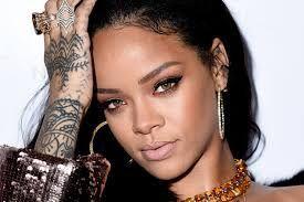 Another hour! Here's Rihanna's website!! Enjoy!!