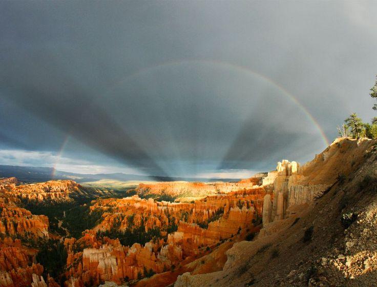 Universo Mágico: Arcos iris y rayos sobre el Cañón Bryce