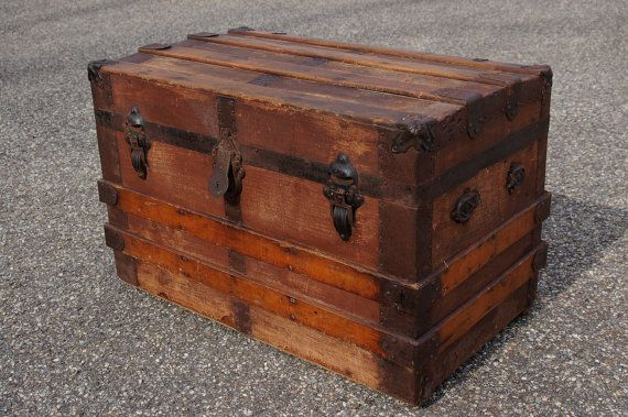... trunks vintage suitcases chests trunks boxes trunks old trunks forward