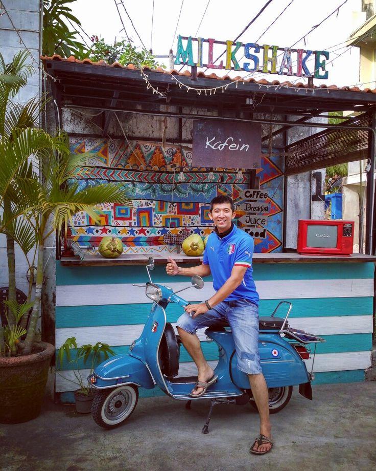 Coffee + Vespa = Kafein Bali