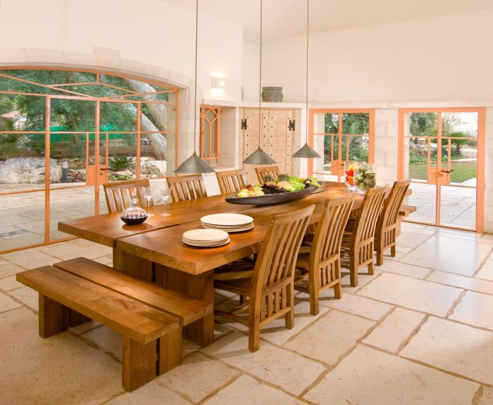 Like the size and dimensions of the table and the bench on end