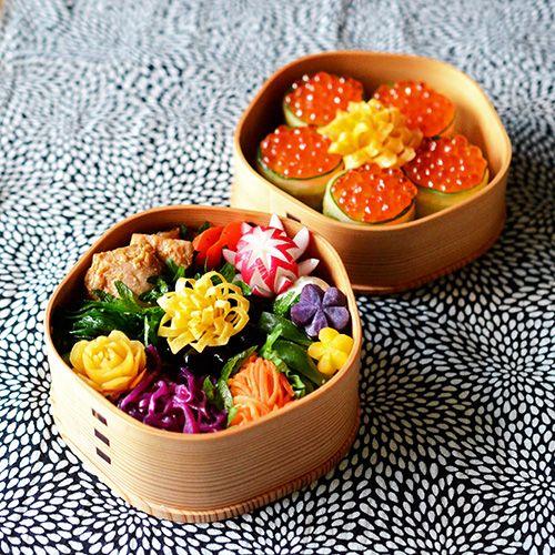 今年初の金曜日!いつものように、花金にちなんで、花モチーフ満載の花金弁当ヽ(´▽...