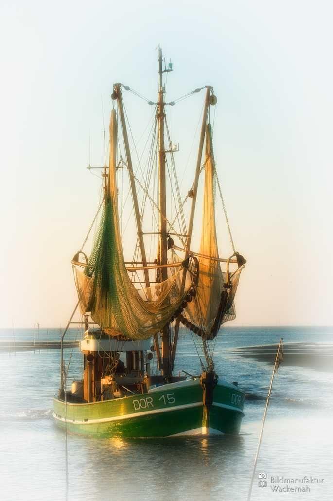 nice Fotografie »Fischkutter DOR 15 Dorum«,  #Auf'm Schiff #Hafenbilder #Landleben