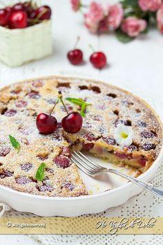 Clafoutis alle ciliegie un dolce francese buonissimo, cremoso e profumato. Una ricetta facile e veloce da preparare, con iperfetta per ogni occasione.