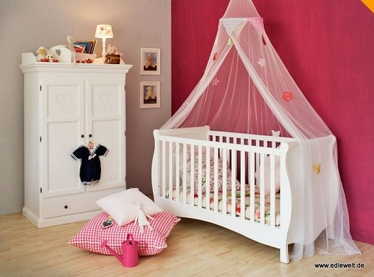 ber ideen zu betthimmel kinderbett auf pinterest kinderbett junge kinderbett und. Black Bedroom Furniture Sets. Home Design Ideas