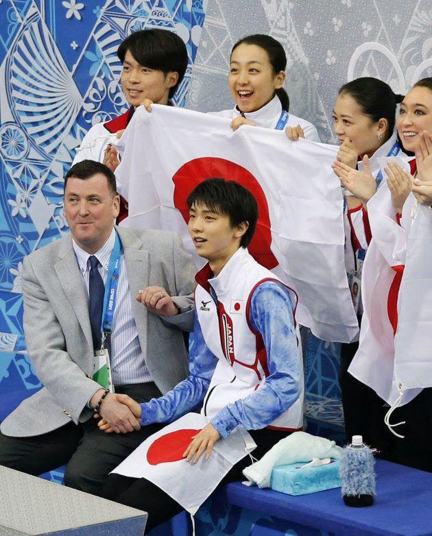http://www.nikkei.com/article/DGXNASDG0700H_X00C14A2CC0000/  五輪デビューの羽生「すごく気持ちよかった」  2014/2/7 11:21