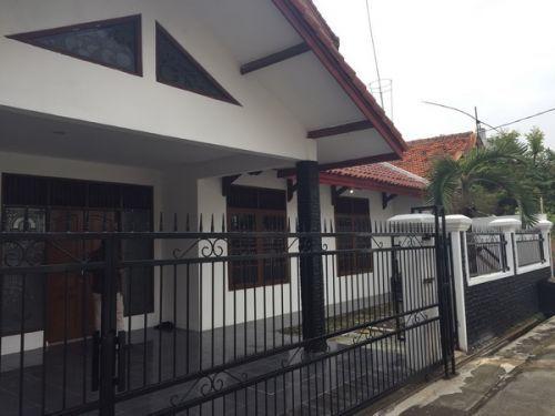 Dijual+Rumah+Bagus+2lt+288m2+Komplek+BDN+Jatiwaringin+Pondok+Gede+Bekasi+Jatiwaringin,+Jatiwaringin+Kedungwaringin+»+Bekasi+»+Jawa+Barat