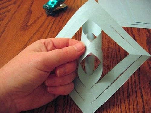 Thrifty Thursday: 3D Paper Snowflake - Thifty Sue