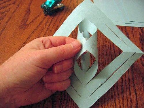 Wie man eine 3D Schneeflocke aus Papier bastelt - wikiHow http://www.moebel.de/magazin/x-mas-in-the-city