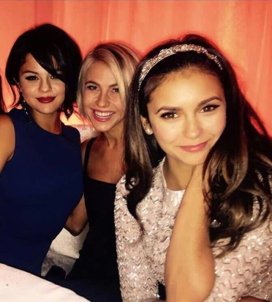 A Cleanlook Selena Gomez Julianne Hough Nina Dobrev Fashion Pics Ootd Outfit Outfits Fashion Style Clothes Clothing Fashion