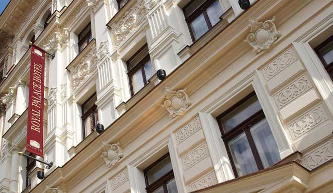 Luxury Family Hotel Royal Palace The exclusive Luxury Family Hotel Royal Palace enjoys a fantastic central location in the heart of Prague, right under the Prague Castle opposite the Wallenstein garden, only a few steps away from... #Hotel  #Travel #Backpackers #Accommodation #Budget