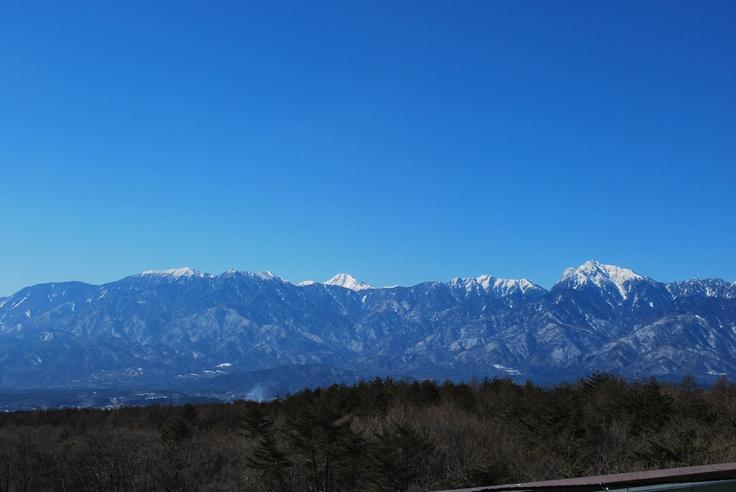 ほんのり雪化粧の八ヶ岳。