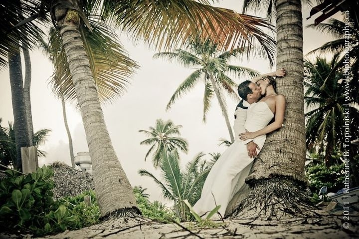 What a shot of Jessica & Matt! Destination wedding by DV Specialist Pam Park from TierOne Travel in Calgary, AB.