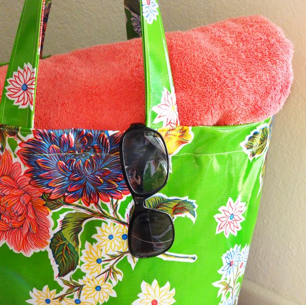 Twinkle and Twine: Tutorial: Oilcloth Tote Bag