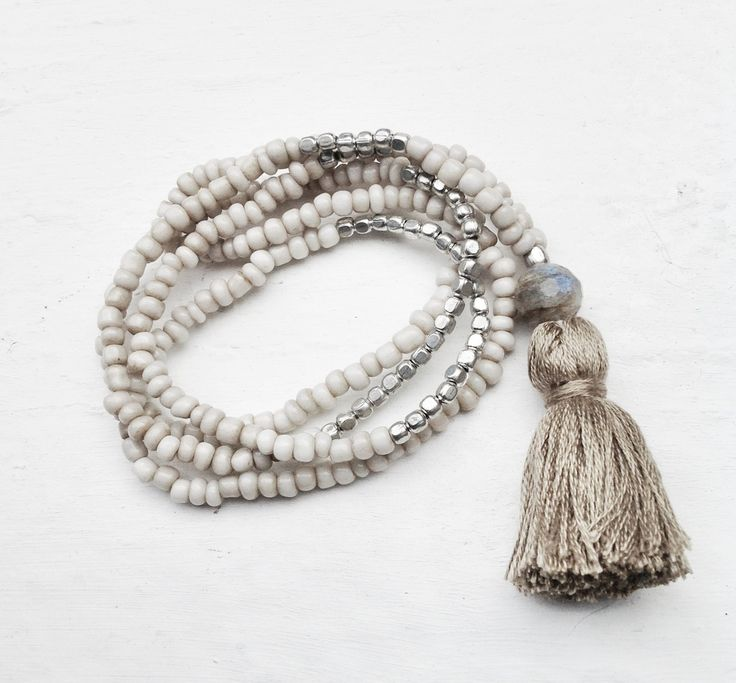 Tassel necklace with beads