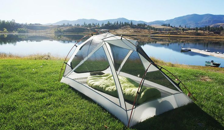Zerogram uses light materials in this two-person tent designed for backpacking.
