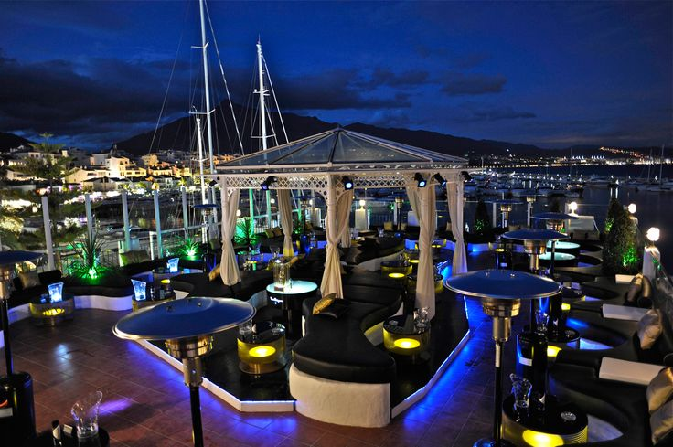 Luxury hotels, designer-brand shopping, beautiful beach clubs, high-end restaurants and a vibrant nightlife – Puerto Banús…