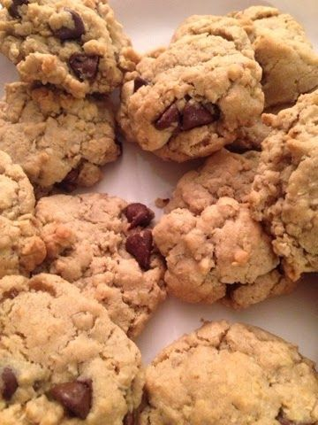 love, hilary rose: THE BEST OATMEAL CHOCOLATE CHIP COOKIES